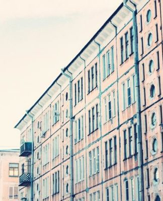 Travel and live in Russia: property prices