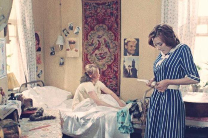 Interior design in popular Soviet films